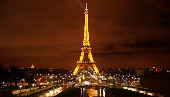 Torre Eiffel de noche Francia turismo