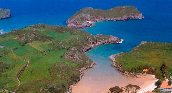 Asturias tiene la playa de Poo un lugar hermoso