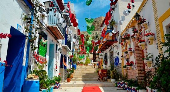 Alicante y sus calles mediterraneas